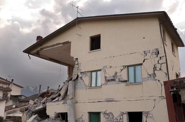 2017年に家を建てる方必見!地震の時に明暗を分ける「直下率」とは?